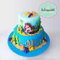 Torta Sirenita - The Little Mermaid cake - cake by Giovanna Carrillo Little Mermaid Birthday Cake, Little Mermaid Cakes, Little Mermaid Parties, The Little Mermaid, Baby Boy Cakes, Girl Cakes, Jasmine Cake, Pool Party Cakes, 7th Birthday Cakes