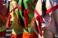 Costume of Saikū Gyoretsu by twin_lens, via Flickr