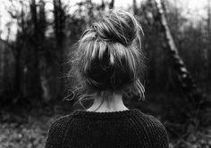 black-and-white-fashion-girl-hair-photography-Favim.com-111675_large.jpg 500×352 pixels