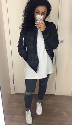 bomber jacket, wht sway tank, jeggings w knee rips cuffd, nike roshes:) Urban Fashion, Love Fashion, Autumn Fashion, Womens Fashion, Fashion Spring, Sporty Chic, Oufits Casual, Casual Outfits, Winter Looks