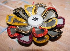 Bottlecap flower | 20 Rad Things You Can Make With Bottle Caps