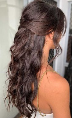 Charming Half Up Half Down Hochzeitsfrisuren 2020 ., Charming Half Up Half Down Hochzeitsfrisuren 2020 . - Para as cacheadas age crespas, dormir sem desmanchar the cachos parece até um sonho! Half Up Half Down Hair Prom, Prom Hair Down, Wedding Hairstyles Half Up Half Down, Wedding Hair Down, Wedding Hairstyles For Long Hair, Wedding Updo, Simple Hairstyle For Party, Boho Wedding, Piano Wedding