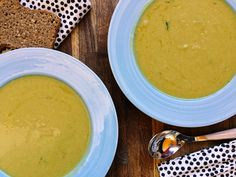 Marokańska zupa z bobu - przepis jakiego nie znacie Prosciutto, Cheeseburger Chowder, Cantaloupe, Bob, Fruit, Bob Cuts, Bob Sleigh, Bobs