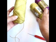 """67 Me gusta, 17 comentarios - Ganchillo/ Traductor Patrones (@celoriocraft) en Instagram: """"🧶TEJER CON 2 HEBRAS Y 1 OVILLO🧶 (English Below⬇️)  👉No se si son como yo, pero a mi no me gusta…"""" Instagram, Patterns, Strands, Hacks, Crocheting"""