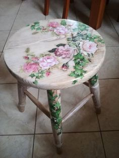 """Get fantastic recommendations on """"shabby chic furniture diy"""". They are offered for you on our internet site. Get fantastic recommendations on """"shabby chic furniture diy"""". They are offered for you on our internet site. Decoupage Furniture, Hand Painted Furniture, Paint Furniture, Furniture Projects, Furniture Makeover, Furniture Design, Hand Painted Chairs, Painted Tables, Furniture Chairs"""