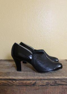 Vintage 1930s heels 30s black round toe swing oxford shoes via Etsy.