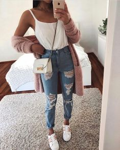 super Ideas for clothes cute casual ripped jeans Casual Summer Outfits, Simple Outfits, Classy Outfits, Stylish Outfits, Spring Outfits, Cute Outfits, Winter Outfits, Work Outfits, Jean Outfits