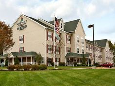 Columbus (OH) Country Inn & Suites Columbus Airport-East United States, North America Country Inn & Suites Columbus Airport-East is a popular choice amongst travelers in Columbus (OH), whether exploring or just passing through. The hotel has everything you need for a comfortable stay. Take advantage of the hotel's free Wi-Fi in all rooms, 24-hour front desk, facilities for disabled guests, express check-in/check-out, luggage storage. Guestrooms are designed to provide an optim...