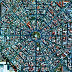 Plaza Del Ejecutivo in the Venustiano Carranza district of Mexico City, Mexico. Image Courtesy of DigitalGlobe