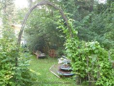 Defining the boundaries in your garden, or framing that perfect view, or even directing traffic; #rustic archways are easy to make, and add a country ambiance and primitive charm...http://www.bluefoxfarm.com/twig-archway.html