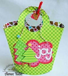 Santa Express: DIY Mini Gift Bags by Aimee