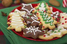 Biscotti di pasta frolla #guarniti con la #glassa tipici di #Natale @guarnireipiatti