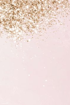 gold glitter background Gold has emerged as one of the most popular trends. Glamorous, strong and classic. Read more for 5 Gold Living Room Ideas for your design project. Rose Gold Wallpaper, Glitter Wallpaper, Wallpaper Backgrounds, Wallpapers, Golden Wallpaper, Colorful Backgrounds, Gold Sparkle Background, Tapete Gold, Pink Und Gold