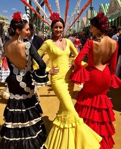 The Last Days of Seville's Feria De Abril Spanish Dress, Spanish Dancer, Spanish Style, Flamenco Dancers, Flamenco Dresses, Flamenco Costume, Dance Costumes, Spanish Fashion, Prom Dresses