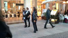 Ballerino pazzo in Duomo Milano