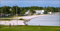 Beach in Gulfport, FL, near Tampa. This is where Tom's sister and b-i-l live. We can go to the beach and do family pictures, looks like a really cute little town. Kids might really dig it. Or they can come to Orlando to do family pics. Whichever.