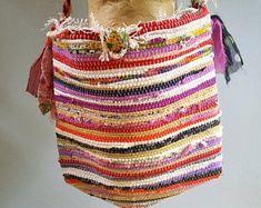 Rag rug bag colorful messenger bag large bohemian tote | Etsy Leather Pearl Necklace, Boho Crossbody Bag, Shopper Bag, Tote Bag, Handmade Gift Tags, Presents For Her, Vintage Fabrics, Large Bags, Boho Fashion