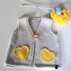"""Neuen Baby / toddler knit vest baby girl knit waistcoat by EvMik [ """"This baby vest is . Cardigan Bebe, Baby Cardigan, Knit Vest, Knitting For Kids, Baby Knitting Patterns, Knitting Ideas, Beginner Knitting, Baby Girl Vest, Baby Girls"""