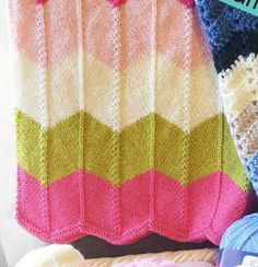 Knitted Chevron Blanket for Baby Free Pattern Chevron Baby Blankets, Free Baby Blanket Patterns, Chevron Blanket, Knitted Baby Blankets, Baby Knitting Patterns, Baby Patterns, Free Knitting, Chevron Patterns, Baby Warmer