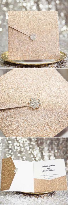 Las decoraciones de bodas en negro y dorado son símbolo de elegancia, originalidad y muchísima clase. Inspírate en estas ideas! :)