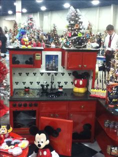 Cute Mickey Mouse kitchen for kids...and some great ideas for a big kids kitchen too;-)