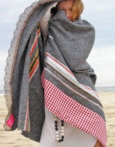 B- handmade ladak blankets: handmade blanket assembled from a base of recycled sweaters, blankets, jeans Recycled Sweaters, Recycled Blankets, Old Sweater, Mode Boho, Old Clothes, Recycled Fabric, Recycled Materials, Love Sewing, Wool Blanket