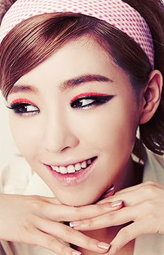 your beautiful nightmare Korean Girl, Asian Girl, Kawaii Makeup, Ga In, Brown Eyed Girls, Brown Eyes, Girl Group, Makeup Looks, Eye Makeup