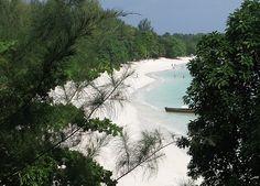 14 Amazing Beaches Around the World - Pattaya Beach, Ko Lipe Island, Thailand