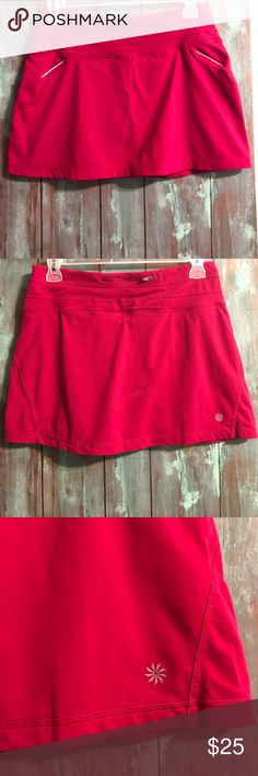Athleta Skirt Bright pink skirt (my camera does not capture the color accurately). Great quality. Barely worn. Good condition. Length is 15 inch and waist is 16.5 inch Athleta Skirts Mini