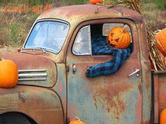 Whatever Your Plans Enjoy Your Weekend weekend autumn quotes weekend quotes happy weekend happy weekend quotes Halloween Car Decorations, Spooky Halloween, Holidays Halloween, Happy Halloween, Halloween Ideas, Fall Decorations, Halloween Stuff, Funny Halloween, Seasonal Decor