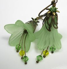 Light peridot Lucite trumpet flowers are the main attraction in these lovely and feminine handmade vintage style earrings. green and gol. Lucite Flower Earrings, Bead Earrings, Flower Jewelry, Handcrafted Jewelry, Earrings Handmade, Bijoux Wire Wrap, Christmas Jewelry, Schmuck Design, Beads And Wire