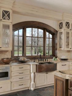 Home Remodeling White Cabinets Awesome White Kitchen Cabinets Decor Ideas 35 - Your kitchen is one of the most used rooms in your home and the one you spend most of your […] Tuscan Kitchen, Kitchen Interior, Rustic Farmhouse Kitchen, Kitchen Remodel, Kitchen Cabinets Decor, Kitchen Style, New Kitchen Cabinets, Kitchen Renovation, Kitchen Design