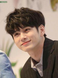 It's impossible for a human to look this fine. Idol 3, Ong Seung Woo, Park Seo Joon, Handsome Korean Actors, Kim Myung Soo, Kim Jisoo, Ha Sungwoon, Kpop Guys, Kdrama Actors