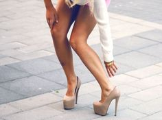 How to minimize risks of wearing high heels - http://miss-and-missis.com/how-to-minimize-risks-of-wearing-high-heels/