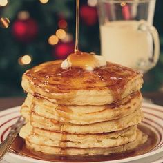 The best Christmas morning breakfast recipes that will warm you right up! Simple and easy recipes from french toast casseroles to eggnog pancakes. Eggnog Pancakes Recipe, Eggnog Recipe, Breakfast Pancakes, Breakfast Recipes, Dessert Recipes, Desserts, Pancake Recipes, Breakfast Menu, Breakfast Ideas