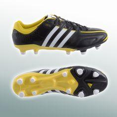 Adidas voetbalschoen met Micoach technologie @ Plutosport.nl