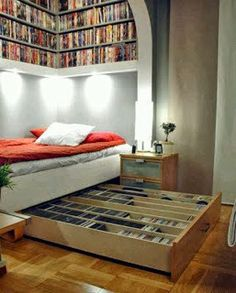 bookshelves and under bed storage. This room is perfect, my dream room! Sweet Home, Small Space Solutions, Under Bed, Small Bedrooms, Home And Deco, Design Case, My New Room, Decor Interior Design, Interior Ideas