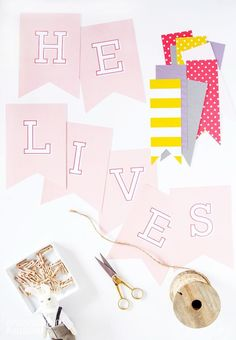 He Lives Banner and Free Printable Easter Decor and Easter banner. Cute home decor for spring and Easter. Would be cute for Sunday School or church activities as well. Easter Printables, Free Printables, Easter Scriptures, Easter Table Decorations, Easter Decor, Easter Ideas, Church Decorations, Holiday Games, Holiday Ideas