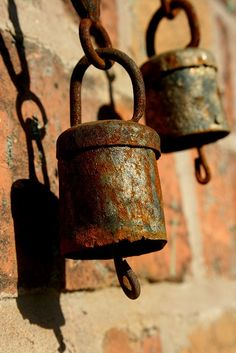 Rusty bells still ring - sort of Rust Never Sleeps, Rust In Peace, Ring My Bell, Peeling Paint, Rusty Metal, Rustic Charm, Wabi Sabi, Metal Art, Wind Chimes