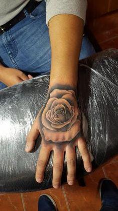 Rózsa kézfej