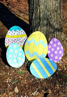 This listing is for one large size pallet easter egg. These Easter eggs will add the perfect pop of color and fun to your annual Easter egg hunt!!! They are so adorable as a prop in your Easter family photos! Get everyone talkin about your decorations by adding this to your yard. These pallet easter eggs are hand painted and clear coated to make sure theyll last year after year. These measure 16 inches wide by 20 inches tall. There is a hinged kickstand on the back so you can prop them up…