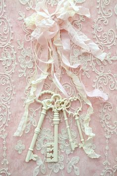 Pretty Vintage Keys, Ribbon and Lace - Shabby Chic