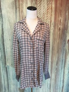 Splendid Top Shirt Pink Gray Houndstooth Plaid Button Up Gray Cuffs sz S EUC! #Splendid #ButtonDownShirt