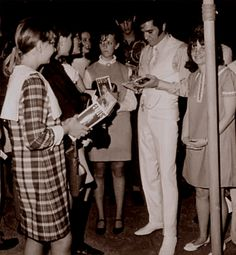 Elvis and fans on the movie set of ( The trouble with girls ) fall 1968.