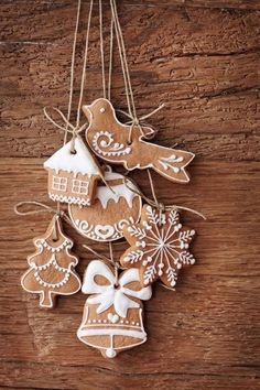 Cinnamon Ornaments are actually cute and exceptionally aromatic. Your vacation would possibly recover from however the perfume of those Cinnamon ornaments will stay for a very long time. In truth, one of the best half Gingerbread Christmas Tree, How To Make Gingerbread, Gingerbread Ornaments, Gingerbread Decorations, Noel Christmas, Homemade Christmas, Christmas Tree Ornaments, Gingerbread Cookies, Christmas Cookies