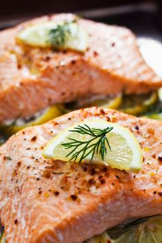 Light lemon baked salmon - Dinner tonight.. or maybe more like a bedtime snack