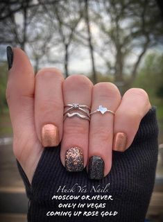 Elegant look with Color Street - Only in Vegas, Moscow or Never, Coming up Rose Gold Get Nails, How To Do Nails, Hair And Nails, Fall Nails, Happy Nails, Nails By Ann, Copper Nails, Nail Color Combos, Colorful Nail Designs