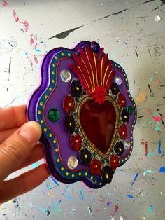 Mexican tin sacred heart on wood plaque / Mexican por TheVirginRose Tin Art, Arte Popular, Wood Plaques, Mexican Folk Art, Metal Crafts, Sacred Heart, Pink Purple, Christmas Gifts, Rainbow