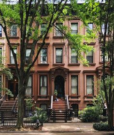 New York City by Tamara Peterson New York Brownstone, Brooklyn Brownstone, Brownstone Homes, City Apartment, Photographie New York, New York City, Beautiful Homes, Beautiful Places, Visualisation