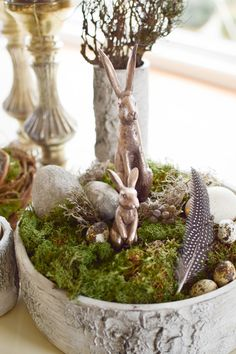 DIY-bowl-for-spring-easter-natural-easter-idea-table decoration-with-moss-eggs-h … - Modern How To Make Terrariums, Moss Garden, Easter Art, Nature Table, Easter Table, Flower Show, Indoor Garden, Woodworking Crafts, Plant Hanger